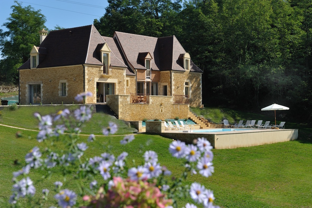rental holiday for 12 in dordogne